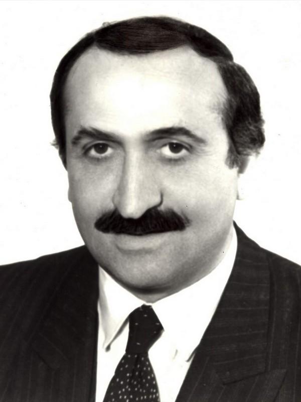 TURHAN KAMBERLİ